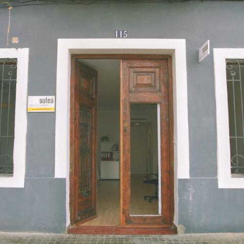 solea spanish school door